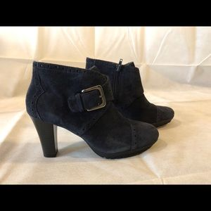 Aerosoles Monument Blue Suede Leather Booties